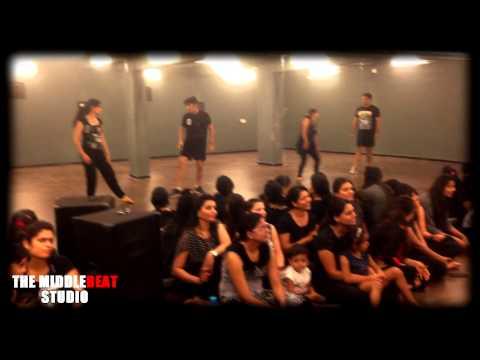The  MiddleBEAT Dance Company (AURANGABAD) HUSTLE MONSOON 2015 – Couples CLASS Photo Image Pic