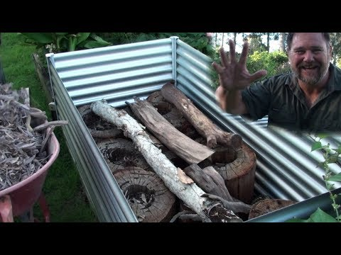 How To Hügelkultur AMAZING Grow Method For Raised Beds Vegetable Gardens - Organic & Cheap
