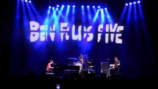 Watch Ben Folds Five Raindrops Keep Fallin On My Head burt Bacharach video