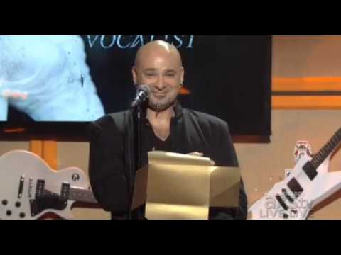 Corey Taylor wins Golden Gods Award for Best Vocalist (02/05/2013)