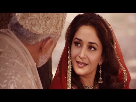 First Look : Madhuri Dixit As Begam Para In dedh Ishqiya video