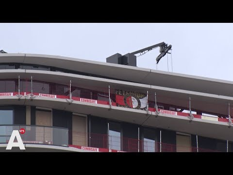 Rotterdamse hilariteit om Feyenoord-vlag op Amstel Tower