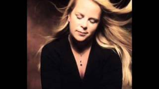 Watch Mary Chapin Carpenter On With The Song video