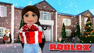 DECORATING OUR FAMILY HOUSE FOR CHRISTMAS | Bloxburg Christmas Update