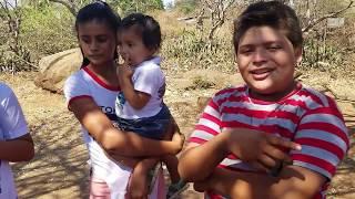 RONALD A PUNTO DE DECLARÁRSELE A ROCÍO, EL SALVADOR START CELEBRA DOS AÑOS