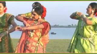 Dhol Baje..BANGLADESHER SONG