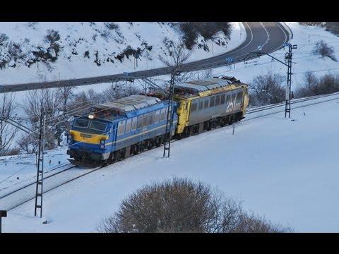 SUSCRIBETE AQUI: http://goo.gl/BbSt9q Y aquí el del año 2014: https://www.youtube.com/watch?v=NRAZFUr7H5c Unos cuantos trenes por el Puerto de Pajares,en con...