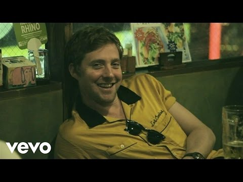 Kaiser Chiefs - Man On Mars