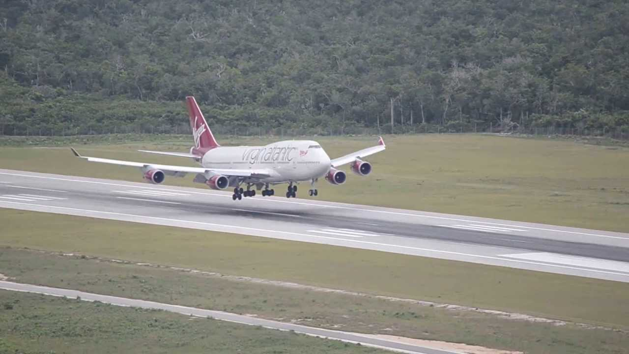 THE 747 AT CANCUN AIRPORT!