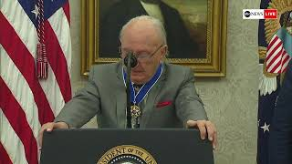 Prsident Trump presents Medal of Freedom to former Boston Celtics point-guard Bob Cousy | ABC News