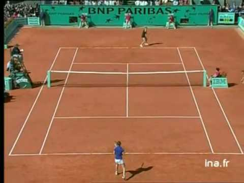 Martina Hingis vs Mary Pierce 2000 RG Highlights Video