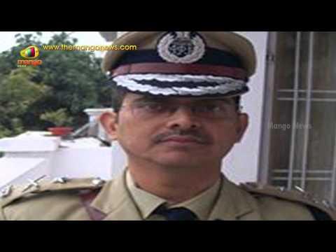 IPS Officer Amitabh Thakur Suspended for Fight against Mulayam Singh Yadav