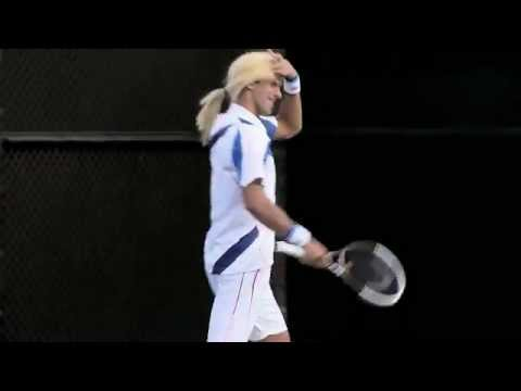 Novak Djokovic imitates  Sharapova