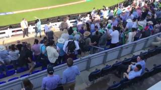 Crowd enjoying dildil Pakistan song in Pak vs Eng cricket match