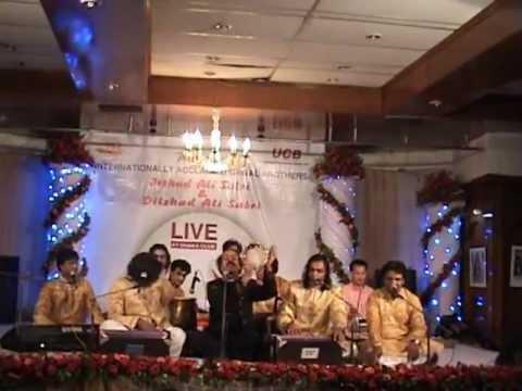 Khawaja Ki Deewani Iqbalshad And Son Dilshad Irshad Sabri Qawwal Dhaka Club Concert video