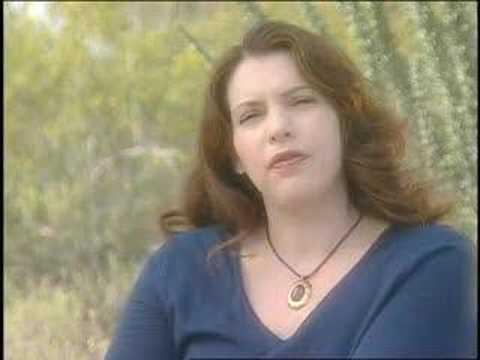 Stephenie Meyer The Host interview Video