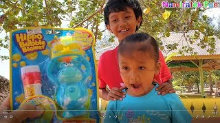 Beli Mainan Anak main Pistol Balon Sabun Bubble di Pantai