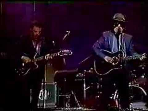 Elvis Costello - Tonight The Bottle Let Me Down