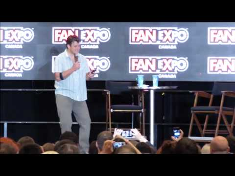 ScreenRelish - Nathan Fillion Responds to Twitter Questions! - Fan Expo 2014