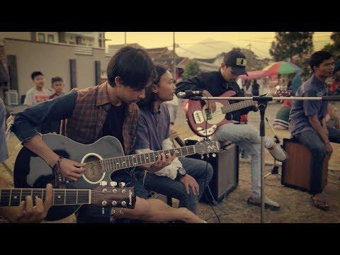 Payung Teduh - Menuju Senja (Cover Live Accoustic) Forum Pemuda Pemudi Griya Jatinangor 1