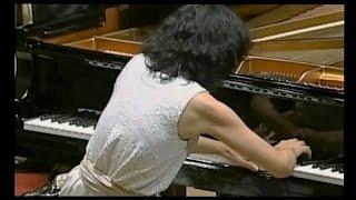MITSUKO UCHIDA plays BEETHOVEN - Piano Concerto #3 in C minor / Ozawa