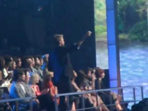Charles Kelley Of Lady Antebellum Dancing To Little Big Town Pontoon video