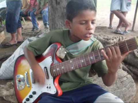 Menino Emerson - Menino De Rua Pepe Moreno video
