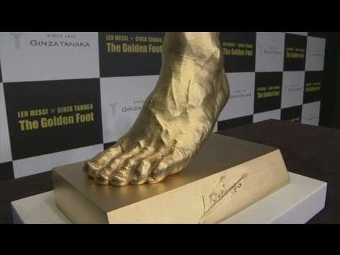 Gold model of Lionel Messi left foot unveiled by jewellery store!