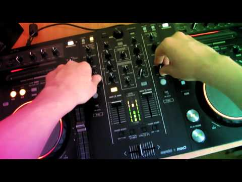Skreamesk - Techno-Minimal Mix (Pioneer DDJ-S1)  - First Person!