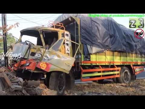 Fuso VS Fuso Truck Crash Ring Road