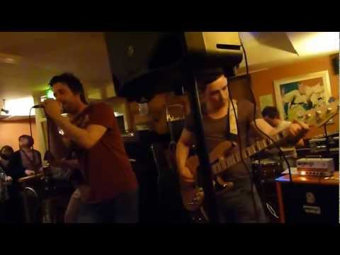KILLERS - ALL THESE THINGS I'VE DONE cover at Blinkin Owl last week .Camera too close to bass cab but hey ho .