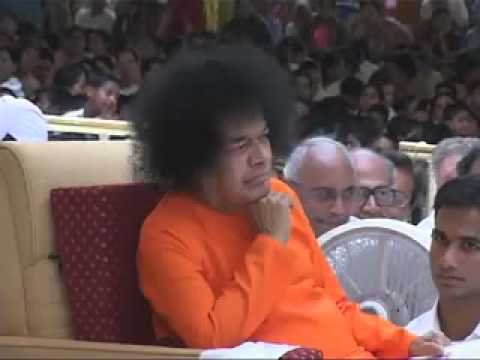 Sathya Sai Baba - Hariharan. A Bhajan Offering. video