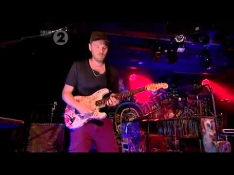 Coldplay - God Put A Smile Upon Your Face Live @ Radio 2