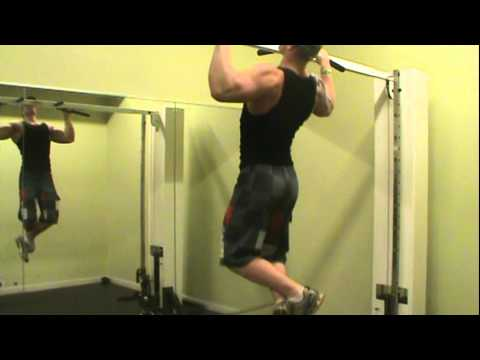 All natural teen bodybuilder greer doing 32 chin ups pretty boss
