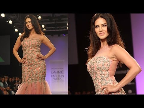 Sunny Leone In Tight Pink Gown At L.f.w video