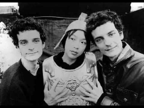 Blonde Redhead - Equally Damaged