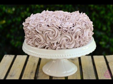 Tarta de vainilla y violeta decoraci n rosas reposter a - Reposteria facil y rapida ...