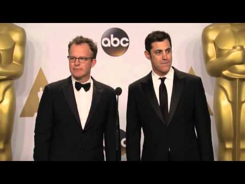 Spotlight: Josh Singer & Tom McCarthy (Best Original Screenplay) Oscars Backstage Interview (2016)