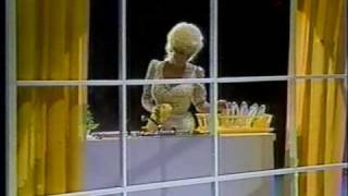 Watch Dolly Parton The Little Things video