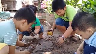 Đồ chơi trẻ em bé pin  chơi với cát ❤ PinPin TV ❤ Baby toys play sand