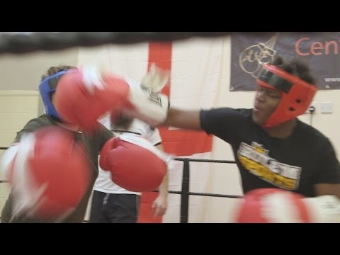 BIG GLOVE BOXING FIGHT
