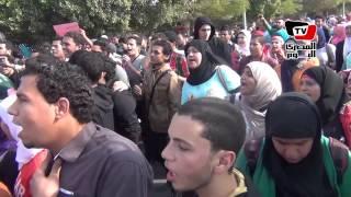 مسيرة لحركة مقاومة بجامعة حلوان اعتراضا على براءة مبارك