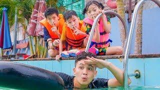 Kids go to Swimming Pool Playing hide and seek Underwater! Kuzin Learn Survival Swim Skills