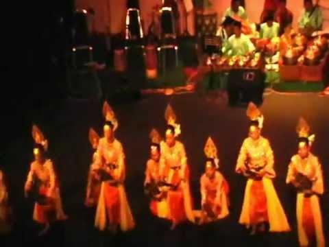 Tarian Kreasi Baru Gamelan Kreatif Festival Tari Malaysia 2009 Wakil Wilayah Kumpulan Astahtu video