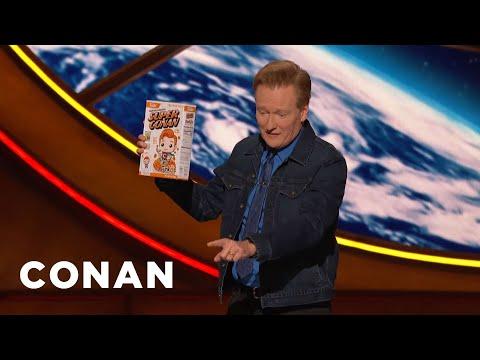 download lagu A #ConanCon Audience Member Assaults Conan With A Cereal Box - CONAN on TBS gratis