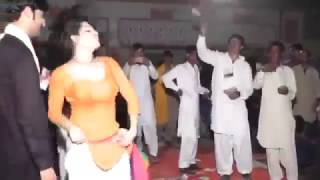 Latest Pakistani Wedding Mujra 2016