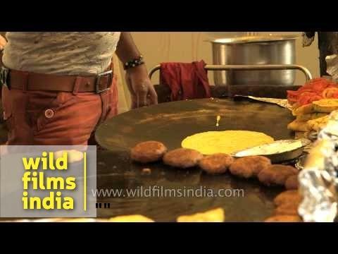 Besan ka cheela : Indian street food snacks