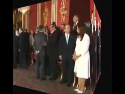 President Barack Obama bows to Saudi King