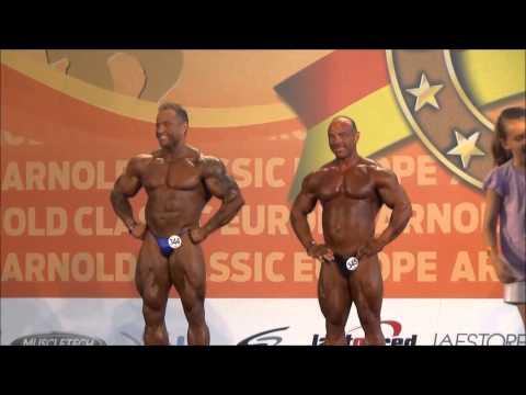 Entrega de trofeos en categoría de culturismo masculino máster de 40 a 49 +90 kgs en el Arnold Classic Europe 2014 amateur celebrado en el Pabellón de Crista...