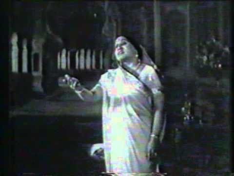 Song from the Play Meerabai sung by the incredible Bal Gandharva...